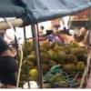 哄抢榴莲的村民食物中毒且人数还在不断增加
